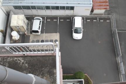 スカイホテル新館駐車場